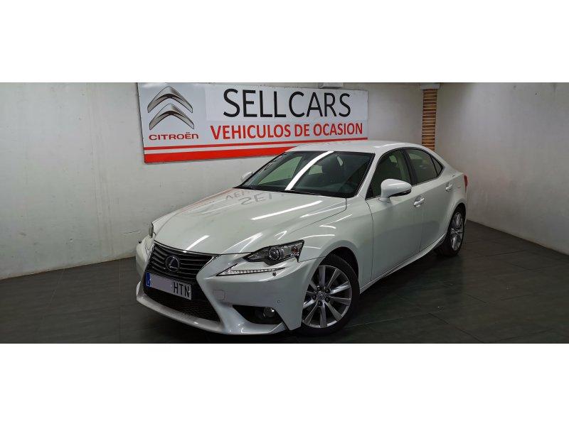 Lexus IS 300h Hybrid -
