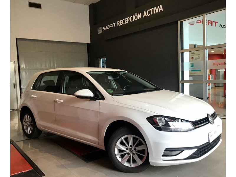 Volkswagen Golf 1.0 TSI BUSINESS Business