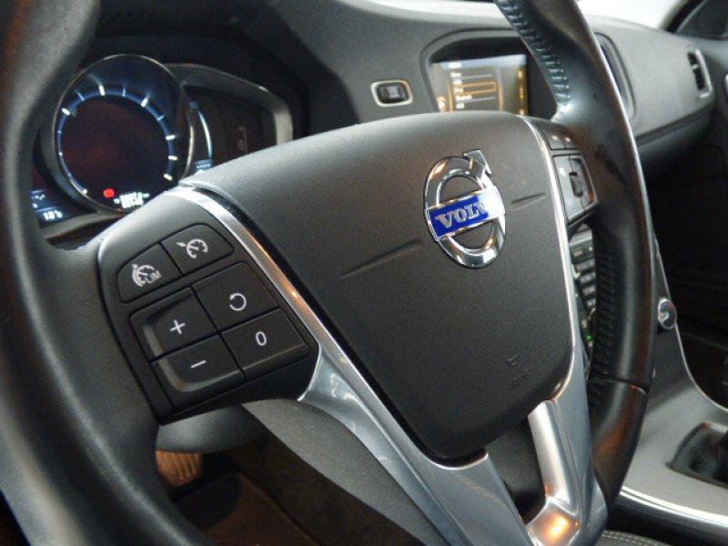 Volvo S60 2.0 DIESEL 5 CIL. 136CV MOMENTUM
