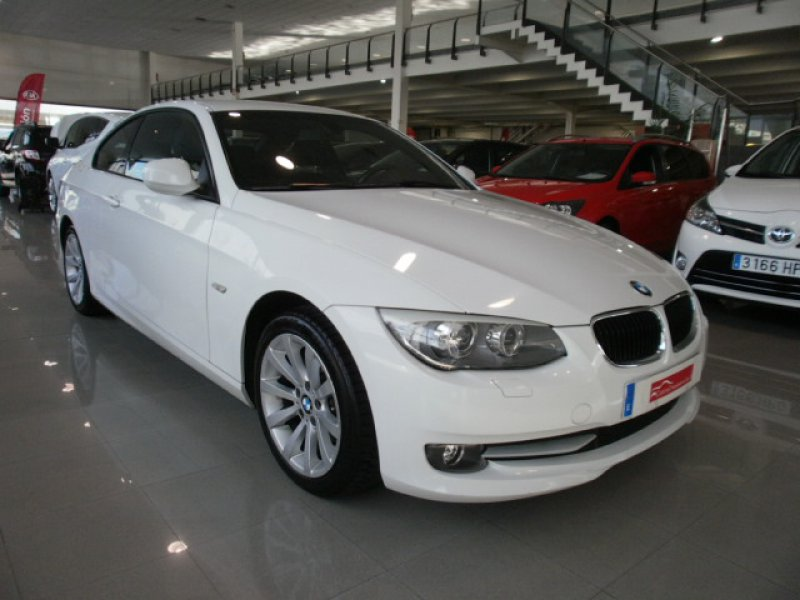 BMW Serie 3 320i COUPE