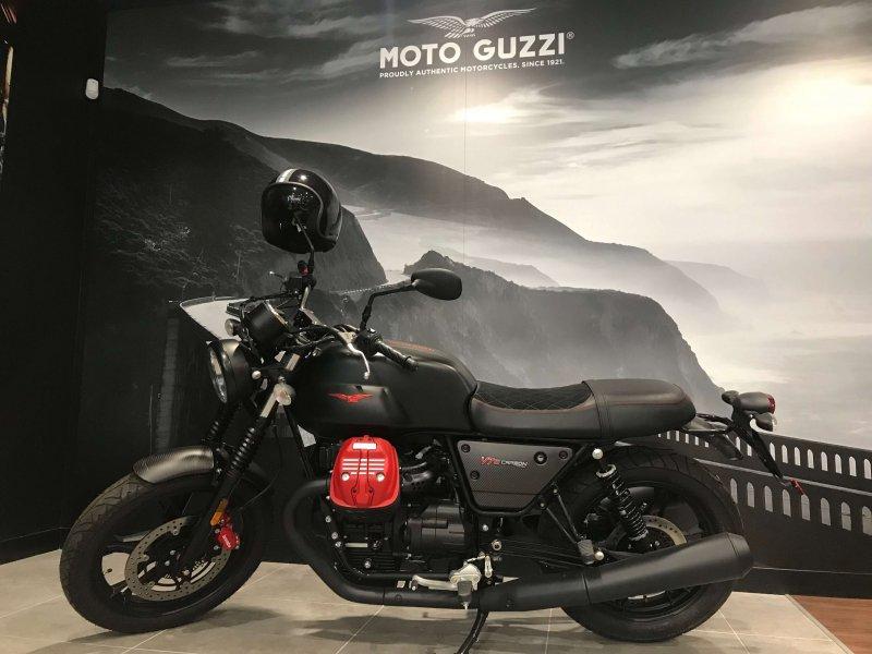 Moto Guzzi V7 Stone 750