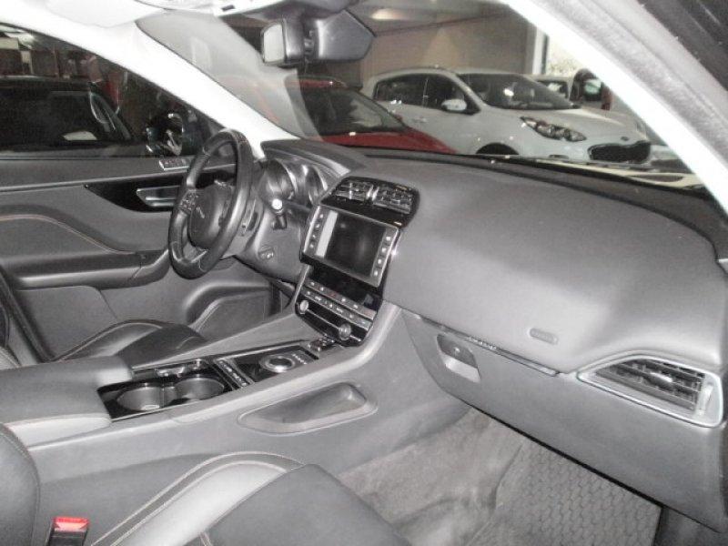 Jaguar F-Pace 3.0L TDV6 AWD Automático Prestige