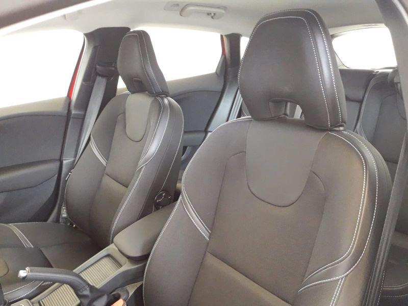 Volvo V40 2.0 D2 Momentum Auto Momentum