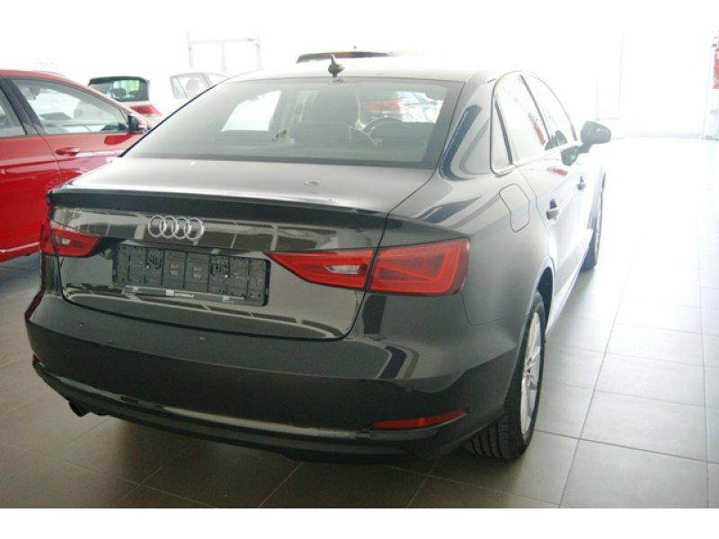 Audi A3 Sedan 1.6 TDI 110cv clean d Attracted