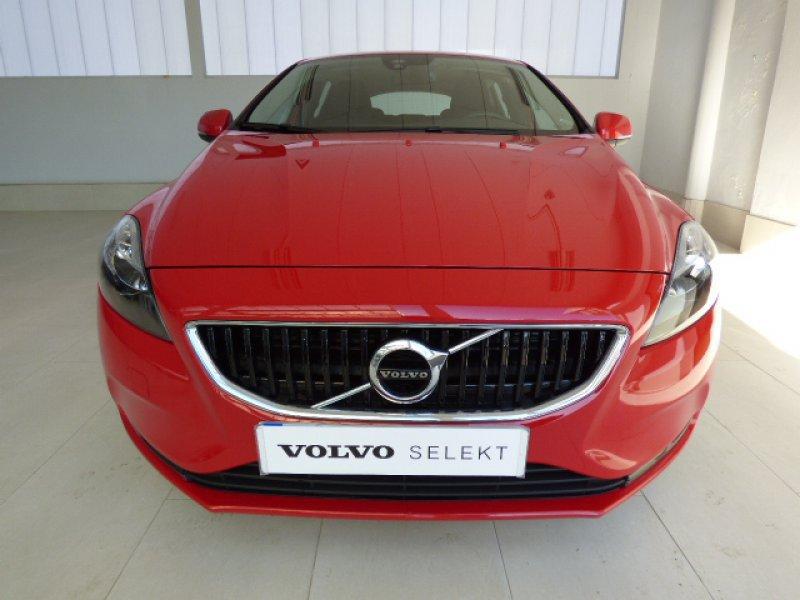 Volvo V40 2.0 D2 Momentum Manual Momentum