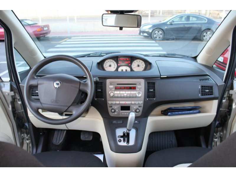 Lancia Musa 1.4 16v DFN Oro