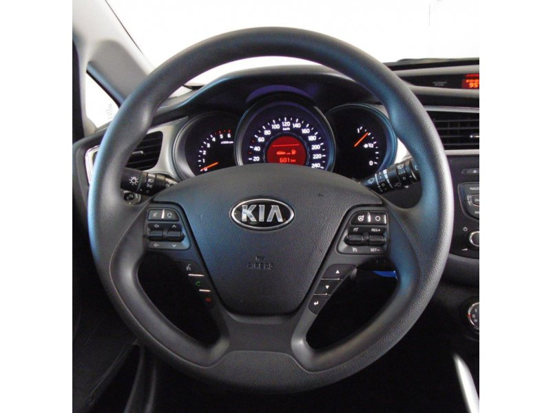 Kia ceed 1.4 CRDi WGT Business