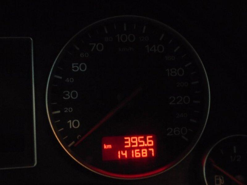 Audi A4 2.4 -
