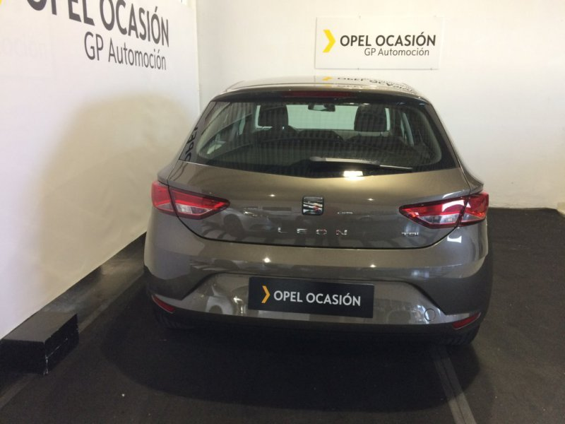 SEAT Nuevo León 1.6 TDI 110cv DSG-7 St&Sp Style Connect