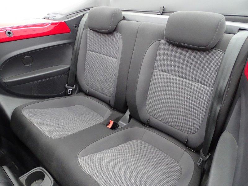 Volkswagen Beetle Cabrio 2.0 TDI 110CV BMT Design