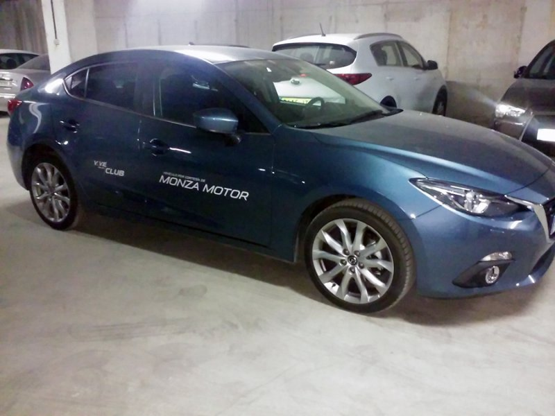 Mazda Mazda3 1.5 DE 1105 MT SDN Luxury
