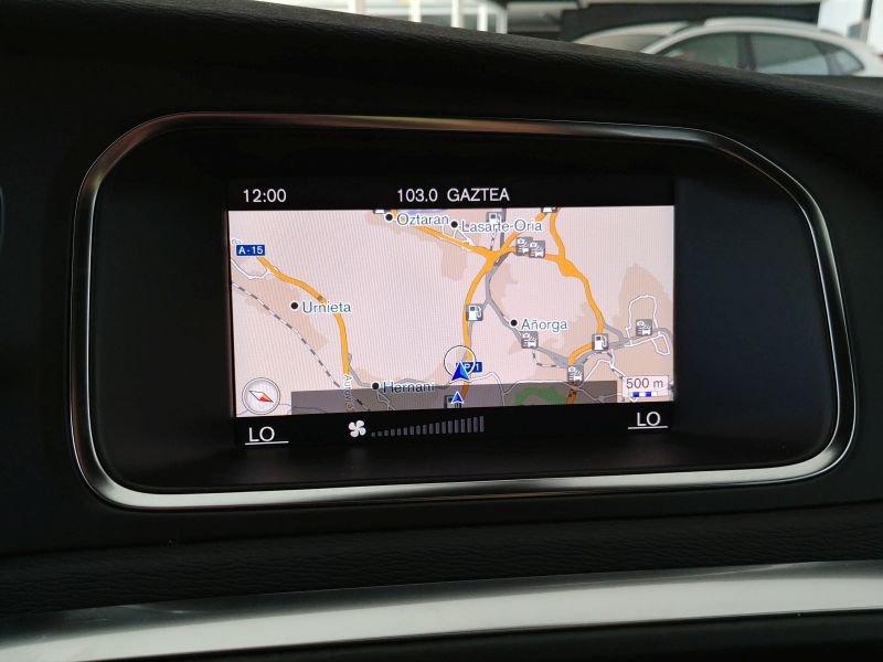 Volvo V40 2.0 T3 R-design Momentum R-Design Momentum