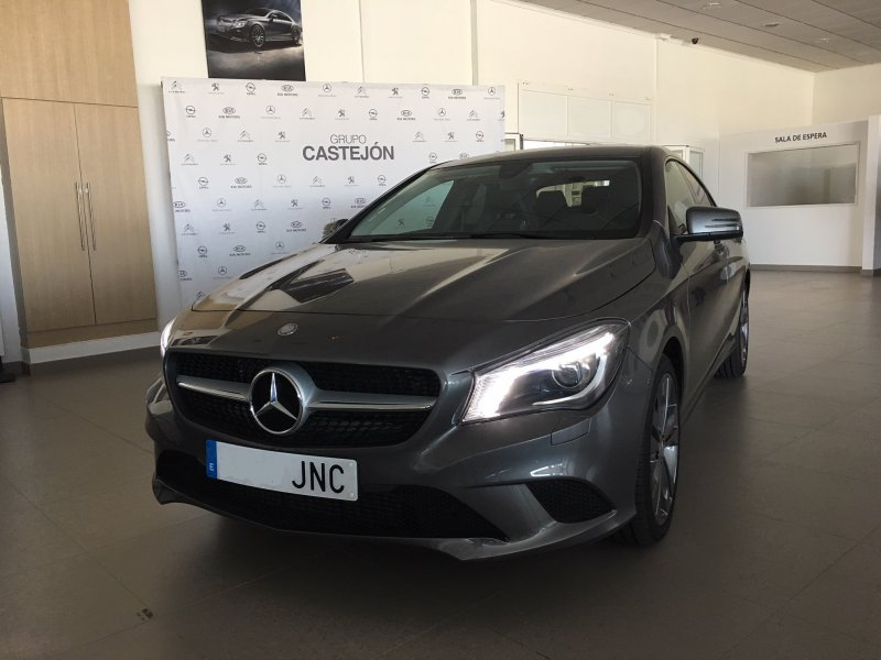 Mercedes-Benz Clase CLA CLA 200 d 4MATIC Shooting Brake Urban