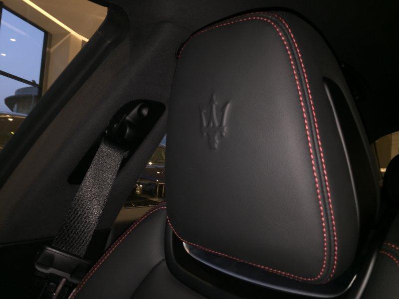 Maserati Ghibli V6 350 HP RWD Gransport