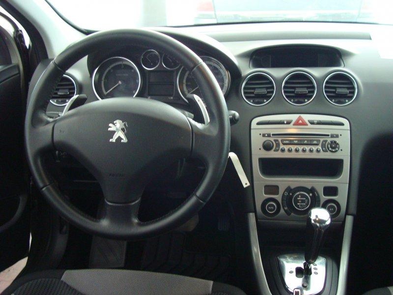 Peugeot 308 5P 1.6 e-HDI 112 FAP CMP Automático Active