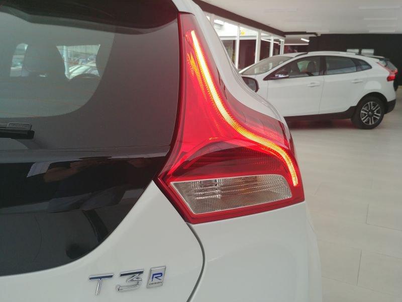 Volvo V40 1.5 T3 Auto R-Design Momentum