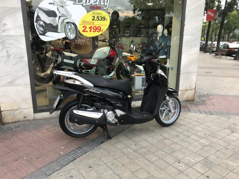 Honda-Moto Scoopy SH 300 300