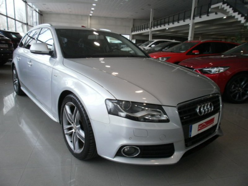 Audi A4 2.0 T FSI quattro Avant -