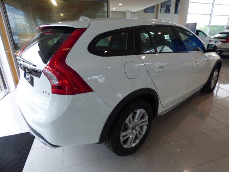 Volvo V60 Cross Country 2.0 D3 Plus Plus