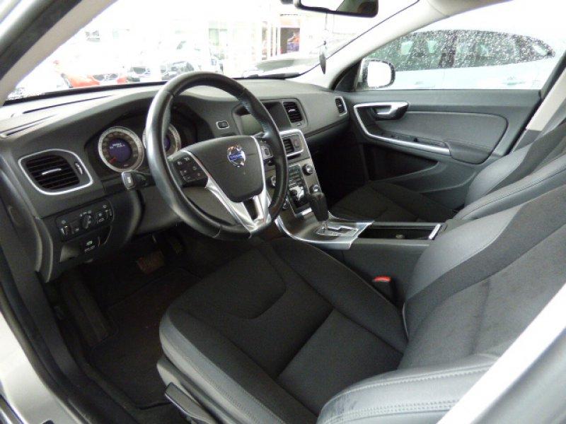 Volvo S60 2.4 D5  Momentum Auto Momentum Automático