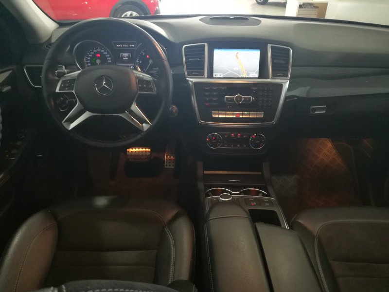 Mercedes-Benz Clase M ML 350 4 MATIC 258CV Executive Grand Edition