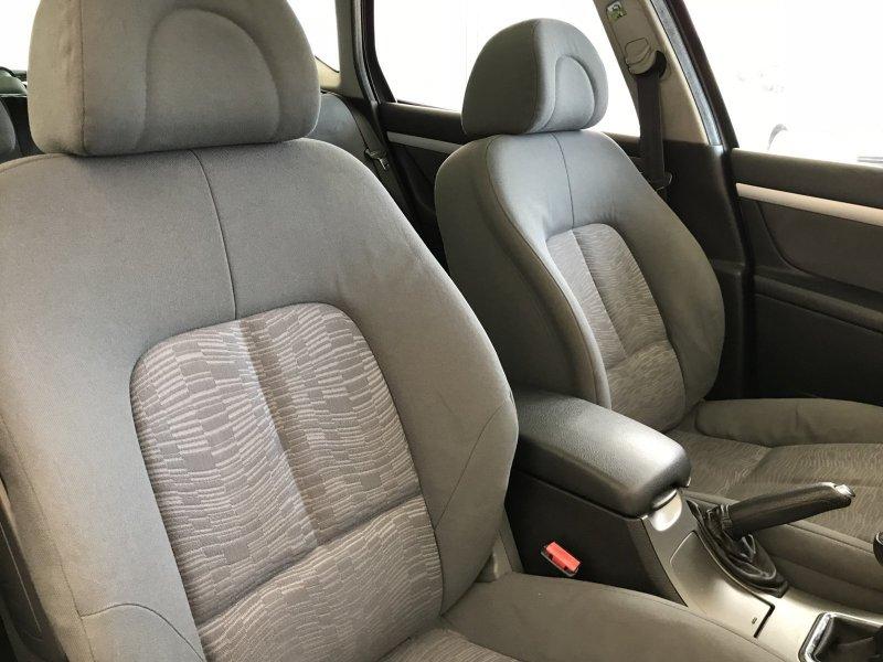 Peugeot 407 HDI 110 SR Confort