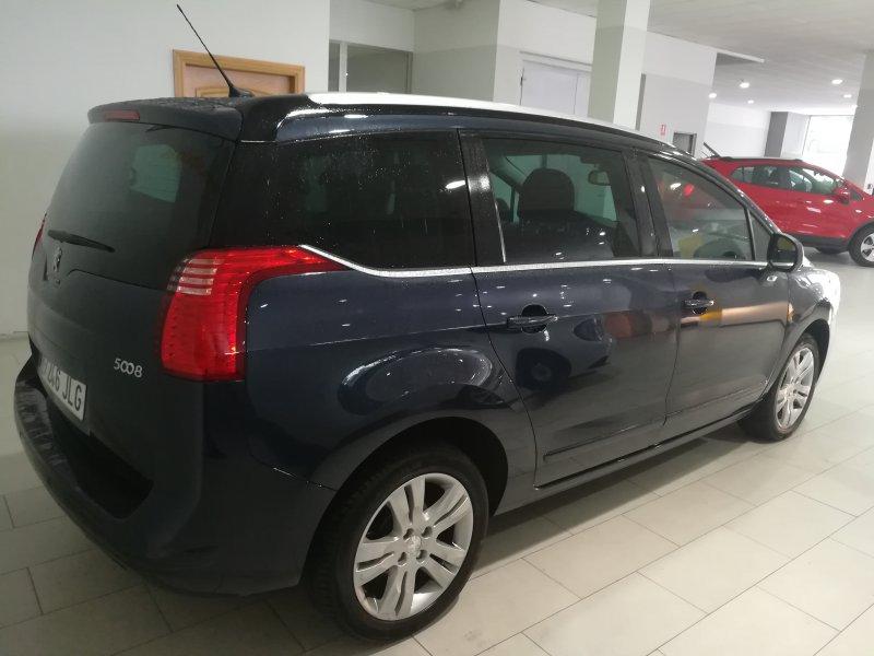 Peugeot 5008 1.6 BlueHDi 120 CV Allure