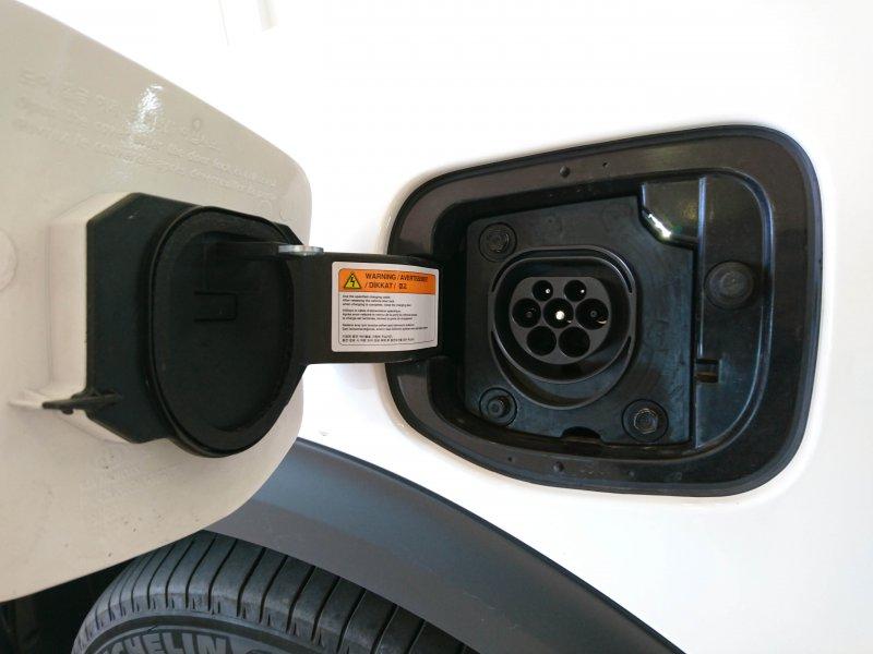 Kia Niro 1.6 GDi Híbrido Enchufable 104kW Emotion
