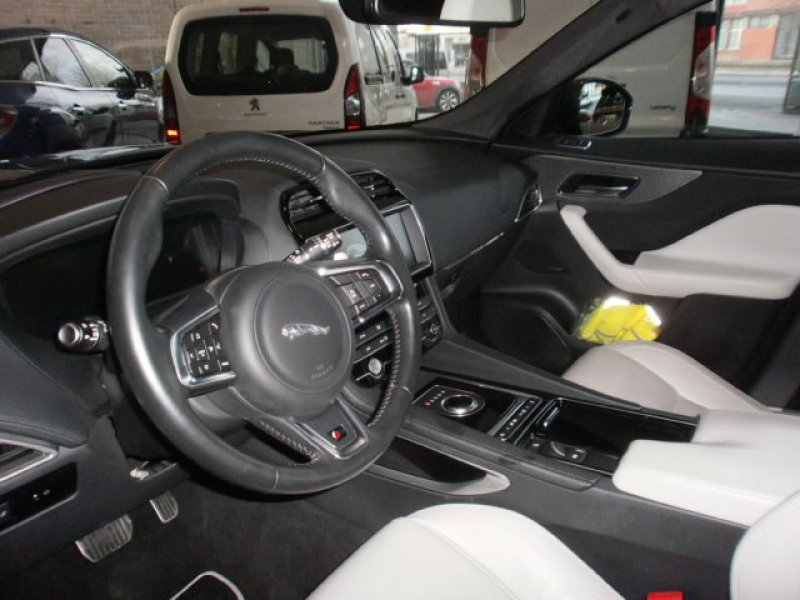 Jaguar F-Pace 3.0L TDV6 AWD Aut. First Edition