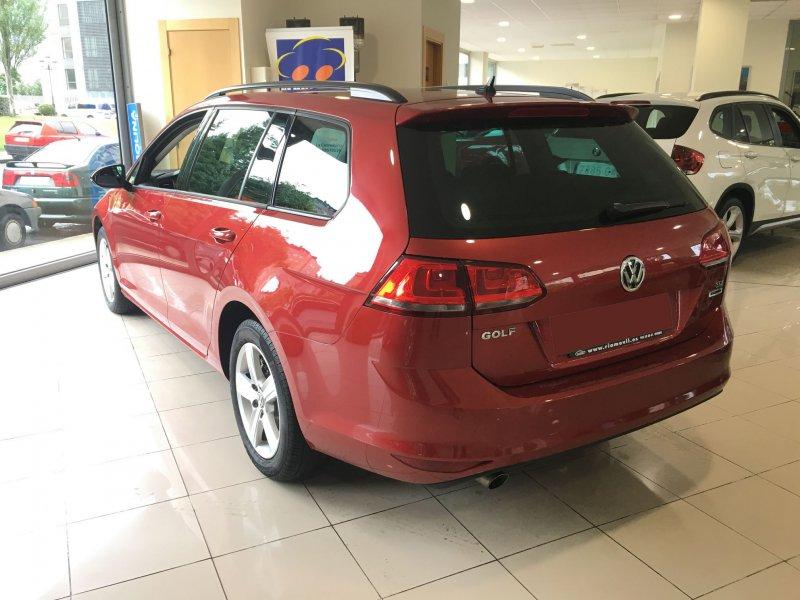 Volkswagen Golf 1.6 TDI Business & Navi Bluemotion