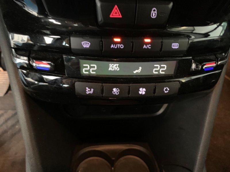 Peugeot 208 5P ALLURE 1.6 BlueHDi 100 Allure
