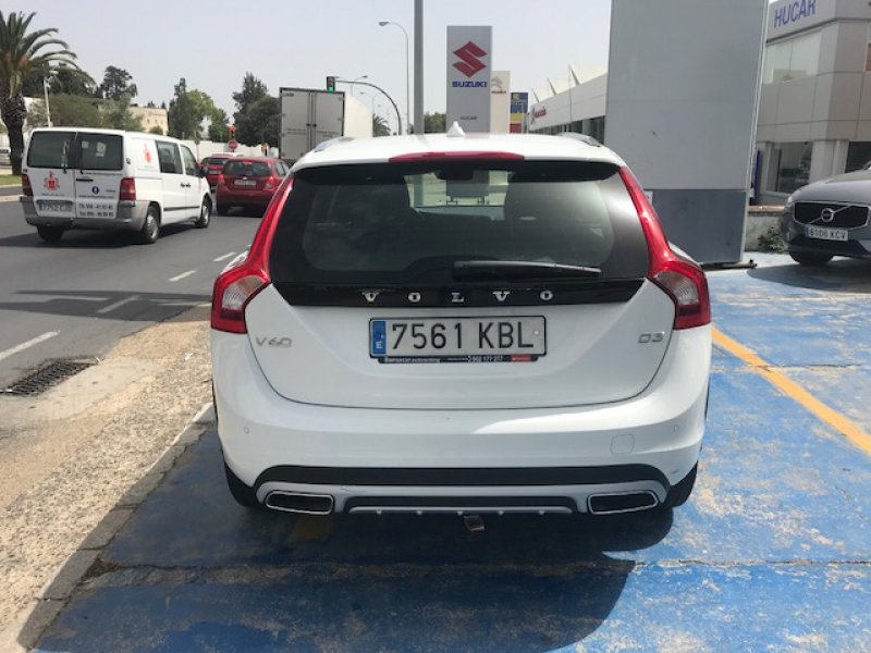 Volvo V60 Cross Country 2.0 D3 Auto Plus