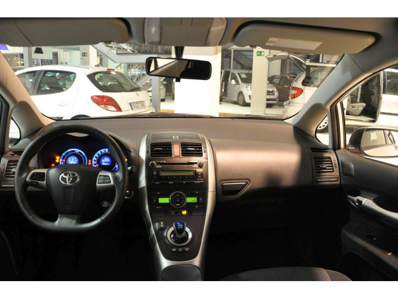 Toyota Auris 1.8 Híbrido Active