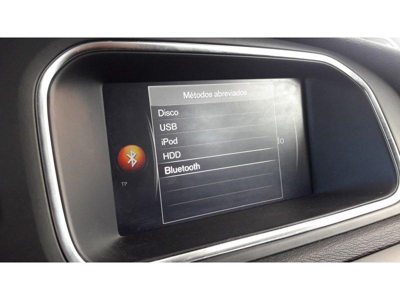 Volvo V40 2.0 D2 Momentum Manual. Momentum