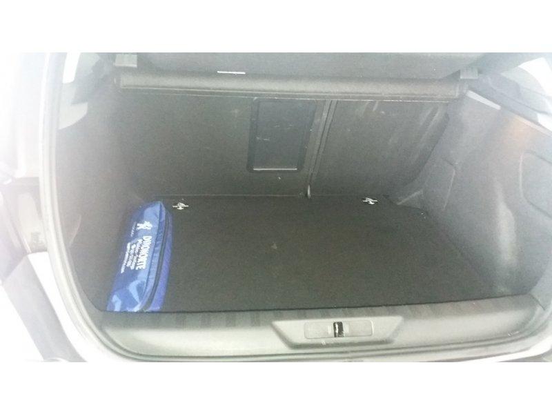 Peugeot 308 1.6 BlueHDi 120CV Allure