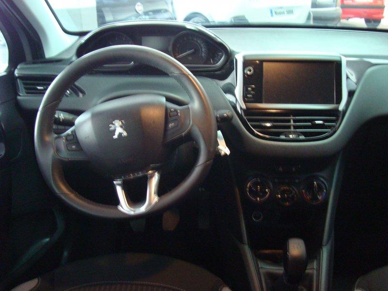 Peugeot 208 5P ACTIVE 1.2L PureTech 82cv Active