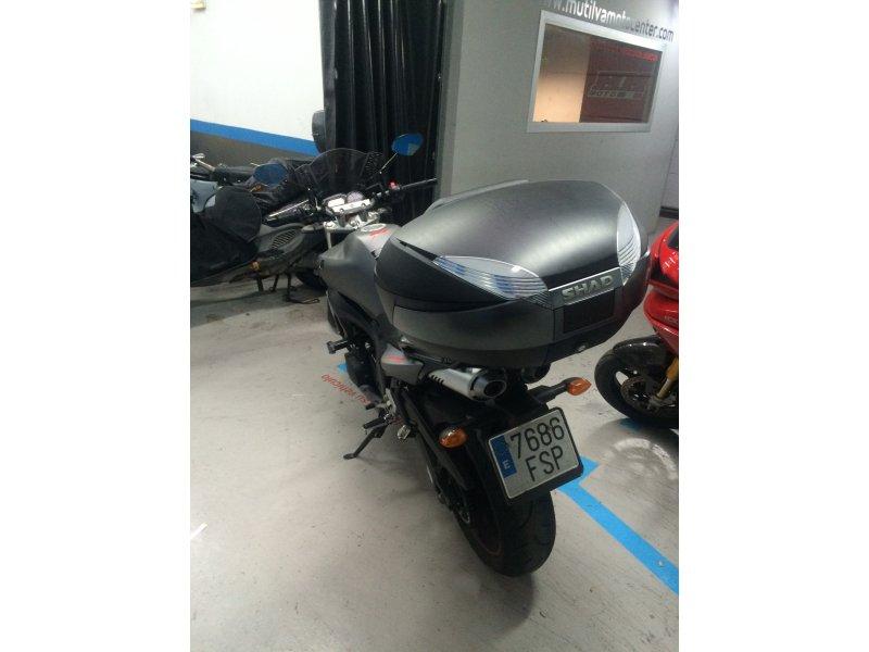 Yamaha FZ6 S2  600 naked