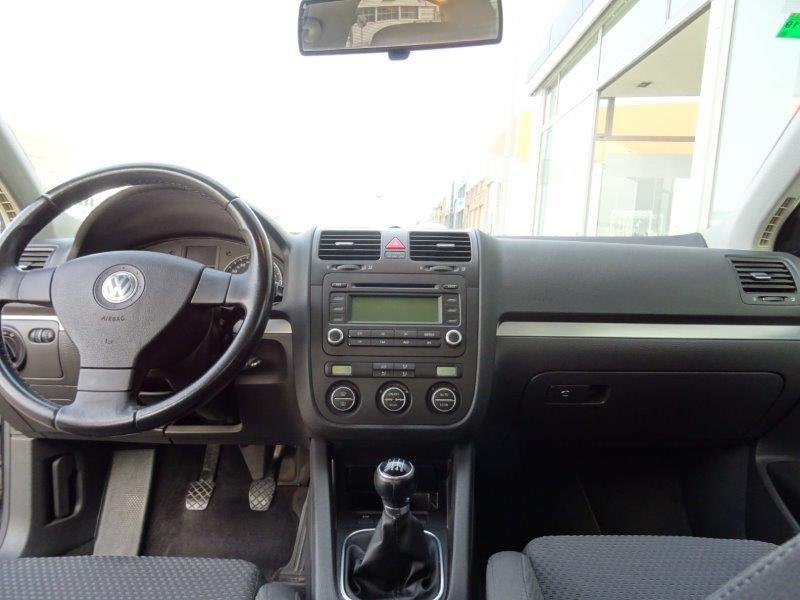 Volkswagen Jetta 1.6 FSi Advance