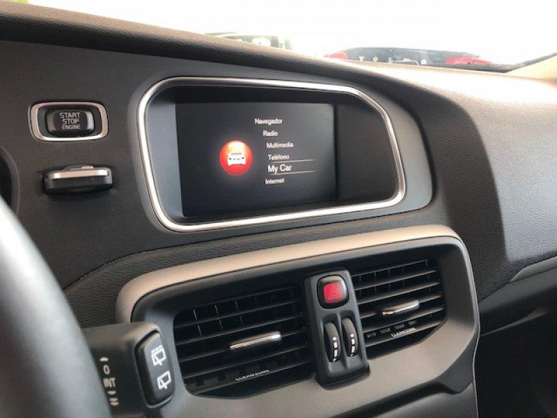Volvo V40 2.0 D3 Auto Momentum