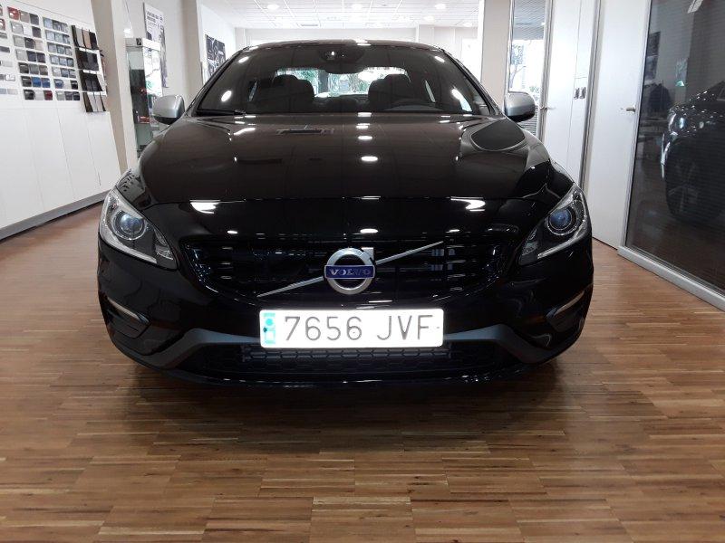 Volvo S60 2.0 D3 Auto R-Design Momentum