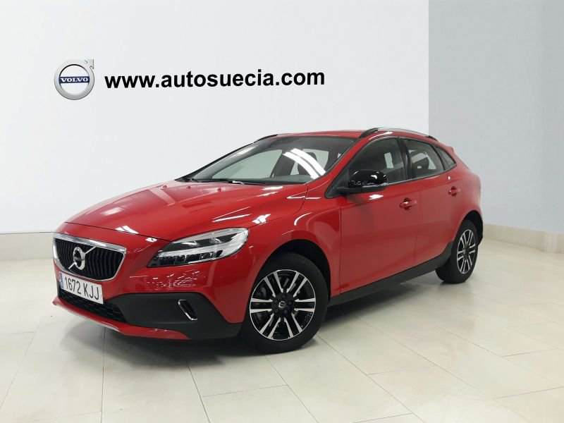 Volvo V40 Cross Country 1.5 T3 Momentum Auto Momentum