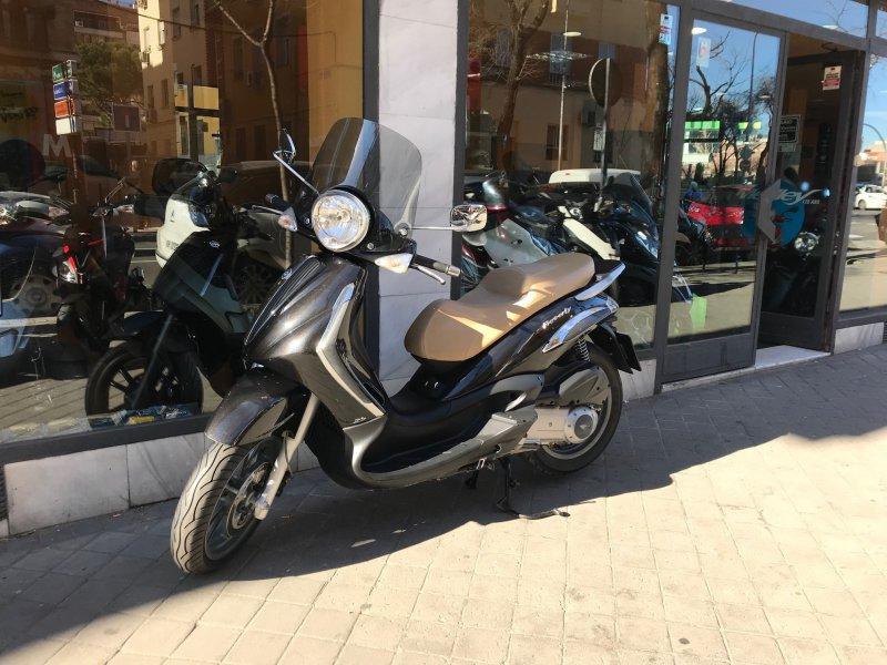 Piaggio Beverly 125 ie 125 cc Tourer