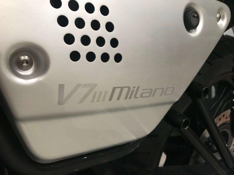 Moto Guzzi V7 Stone 750 Milano