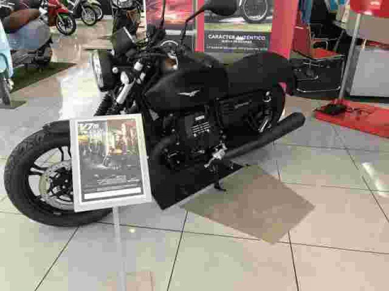 Moto Guzzi V7 Stone 750 STONE 3 ABS/ASR