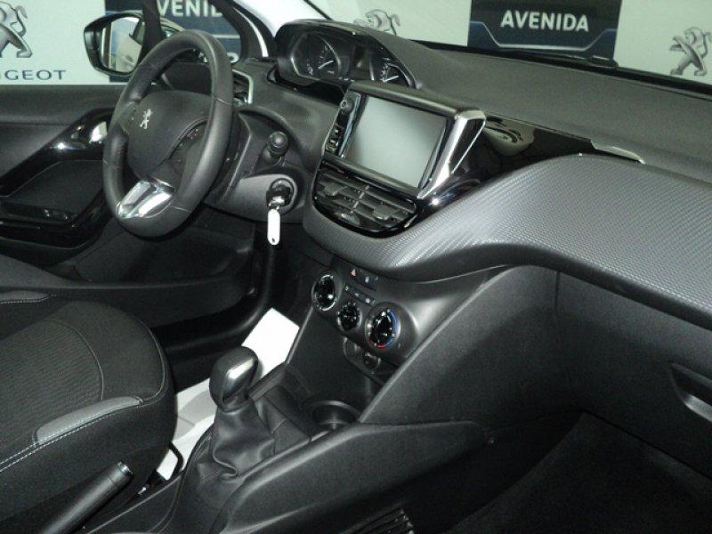 Peugeot 208 5P STYLE 1.2 VTi 82 Style