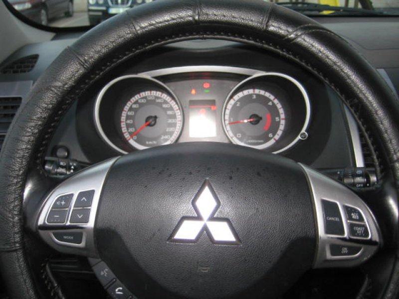 Mitsubishi Outlander 2.0 DI-D Challenge