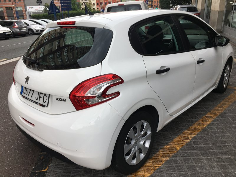Peugeot 208 1.0 VTI 68 cv Busines Line