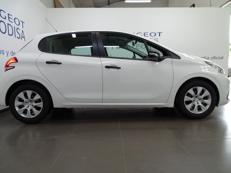 Peugeot 208 5P LIKE 1.6 BlueHDi 55KW (75CV) Like