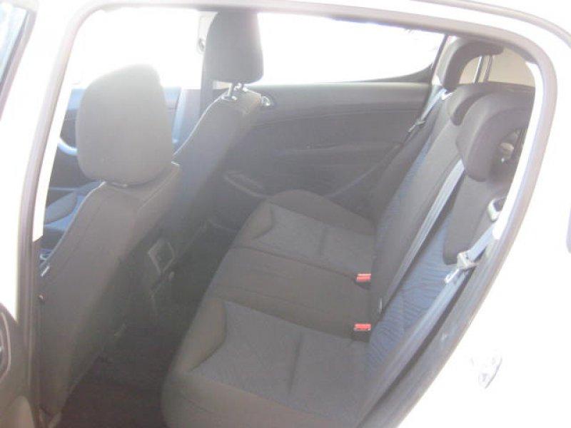 Peugeot 308 1.6 HDI 112 FAP 6 velocidades Envy