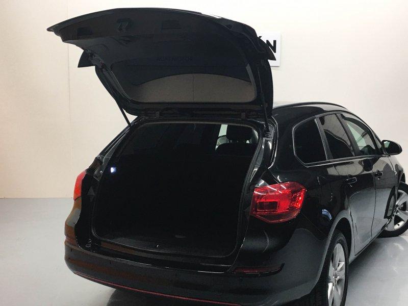 Opel Astra 1.7 CDTi 110 CV ST SELECTIVE BUSINES